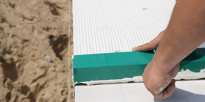 Rodzaje zapraw klejowych – co musisz o nich wiedzieć?